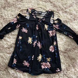 Quarter sleeve Flowy off shoulder black floral top